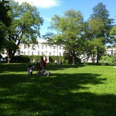 Photo taken at Парк Лесотехнической Академии by Нелля Б. on 5/27/2012