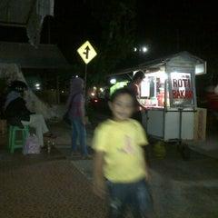 Photo taken at Roti Bakar by Yuli Ihwan P. on 6/16/2012