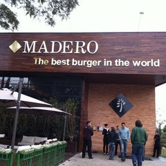 Photo taken at Madero Burger & Grill by José Raimundo P. on 6/17/2012