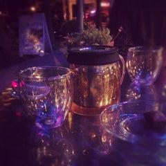 Photo taken at Remedy Teas by Vladimir on 8/17/2012