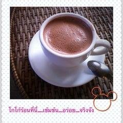 Photo taken at มิ่งมิตร (Mingmitr Coffee) by Bee on 1/17/2011