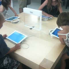 Photo taken at Apple Store, Partridge Creek by Steph B. on 6/9/2012
