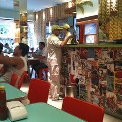 Foto tirada no(a) Bibi Sucos por Juliana B. em 1/11/2011