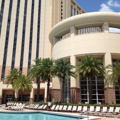 Photo taken at Rosen Centre Hotel by Alex on 5/8/2012