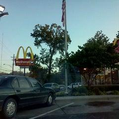 Photo taken at McDonald's by Jennie on 8/30/2011