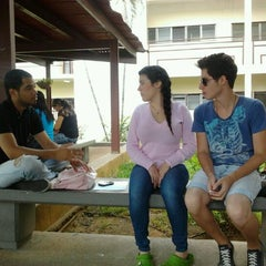 Photo taken at Universidad Bicentenaria de Aragua UBA by Jose A. C. on 4/30/2012