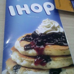 Photo taken at IHOP by Sherwin K. on 10/28/2011