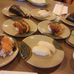 Photo taken at Teharu Sushi by Alma L. on 2/21/2011