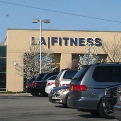 Photo taken at LA Fitness by Jnette B. on 3/26/2012