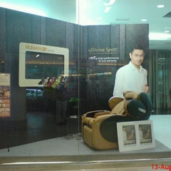Photo taken at OSIM by Jacqueline teoh 琳. on 8/15/2011