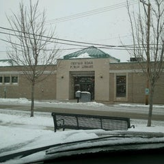 Photo taken at Chicago Ridge Public Library by William L. on 1/14/2012