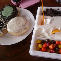 Photo taken at J.Co Donuts & Coffee by Fajar A. on 1/28/2012