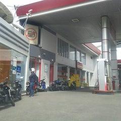 Photo taken at SPBU 34.401.24 by Meizano A. on 12/20/2011