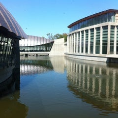 Photo taken at Crystal Bridges Museum of American Art by Kevin P. on 9/3/2012