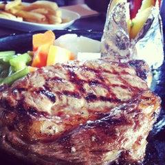 Photo taken at Chokchai Steak House (โชคชัยสเต็คเฮ้าส์) by Dear C. on 8/3/2012