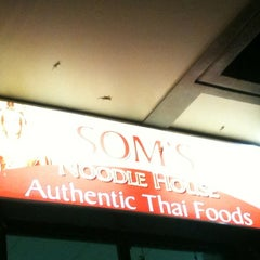 Photo taken at Som's Noodle House by Magida on 3/7/2012