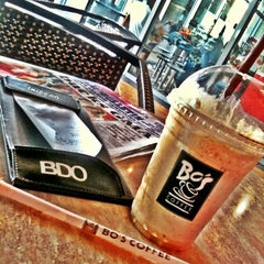 Photo taken at Bo's Coffee by 🌟💋Nickie L. on 11/8/2011