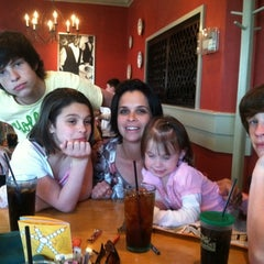 Photo taken at Olive Garden by Bob W. on 5/8/2011