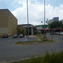 Photo taken at Shopping Taboão by Marcelo H. on 4/1/2012