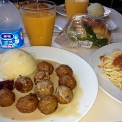 Photo taken at IKEA | 宜家家居 by Mike R. on 8/5/2012