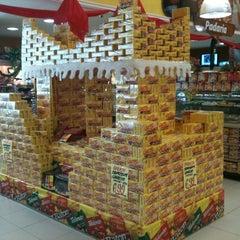 Photo taken at Central de Compras Martins by Icaro M. on 11/29/2011