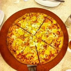 Photo taken at Pizza Hut by Wilson Joseph on 8/2/2012