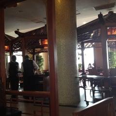 Photo taken at Oriental Hotel by David S. on 4/15/2012