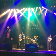 Photo taken at House of Blues by Aliesha on 3/21/2012