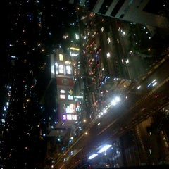 Photo taken at Menara Peninsula Hotel Jakarta by Agaph V. on 10/25/2011