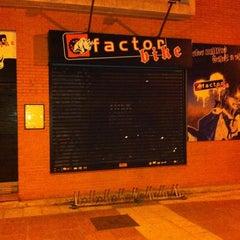 Photo taken at Factor Bike by José Luis M. on 7/17/2011