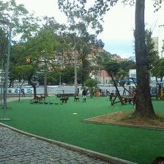 Photo taken at Parque Recanto do Trovador by Rogério M. on 1/13/2012