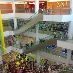 Photo taken at Mega XXI by JOEWANA on 2/24/2011