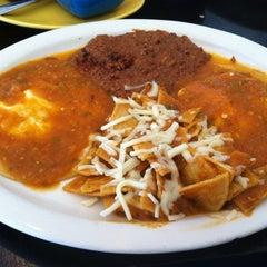 Photo taken at Garibaldi De Noche Restaurant by Sergio U. on 1/4/2012
