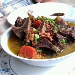 Photo taken at Mak Tim - Sajian Asli Warisan Johor by AnaYana L. on 3/29/2012
