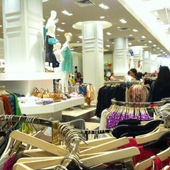 Photo taken at Forever 21 by 不純の じ. on 3/23/2012