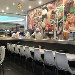 Photo taken at Octopus Sushi Bar & Thai by NmGula M. on 7/27/2012