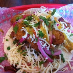 Photo taken at Torchy's Tacos by Barbara on 8/7/2012