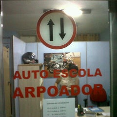 Photo taken at Autoescola Arpoador by Leo M. on 3/29/2011
