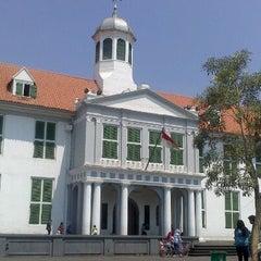 Photo taken at Museum Sejarah Jakarta (Museum Fatahillah) by Rosida E. on 8/19/2012