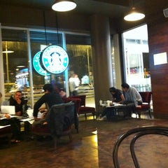 Photo taken at Starbucks Coffee by 👑 Andre P. on 11/2/2011