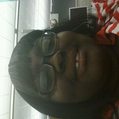 Photo taken at Verizon Wireless by Shamika W. on 11/21/2011
