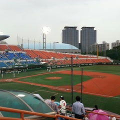 Photo taken at 목동야구장 (Mokdong Baseball Stadium) by Jae-eun H. on 7/18/2012