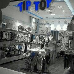 Photo taken at Tip Top by Ana Cristina Mokdeci®  on 10/15/2011