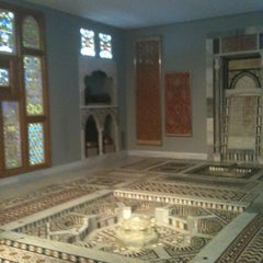 Photo taken at Μουσείο Ισλαμικής Τέχνης by Yiannis D. on 2/18/2011