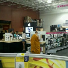 Photo taken at Best Buy by Andrew T. on 8/25/2011