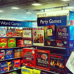 Photo taken at Barnes & Noble by Miguel S. on 7/28/2012