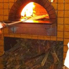 Photo taken at Pizzeria Mozza by Anthony R. on 10/25/2011