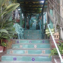 Photo taken at La Paloma Las Flores by Airalin B. on 11/17/2011