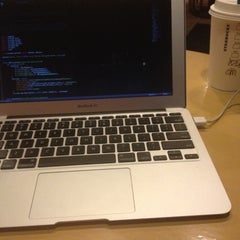 Photo taken at Starbucks by Mohamad Ariau A. on 6/10/2012