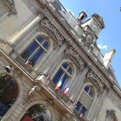 Photo taken at Le Pavillon du Lac by Rafi S. on 6/22/2012